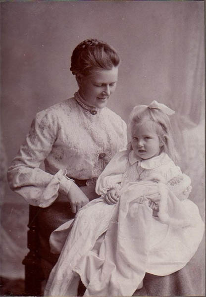 Agatha Mary Molony (Mollie) with her mother Edith